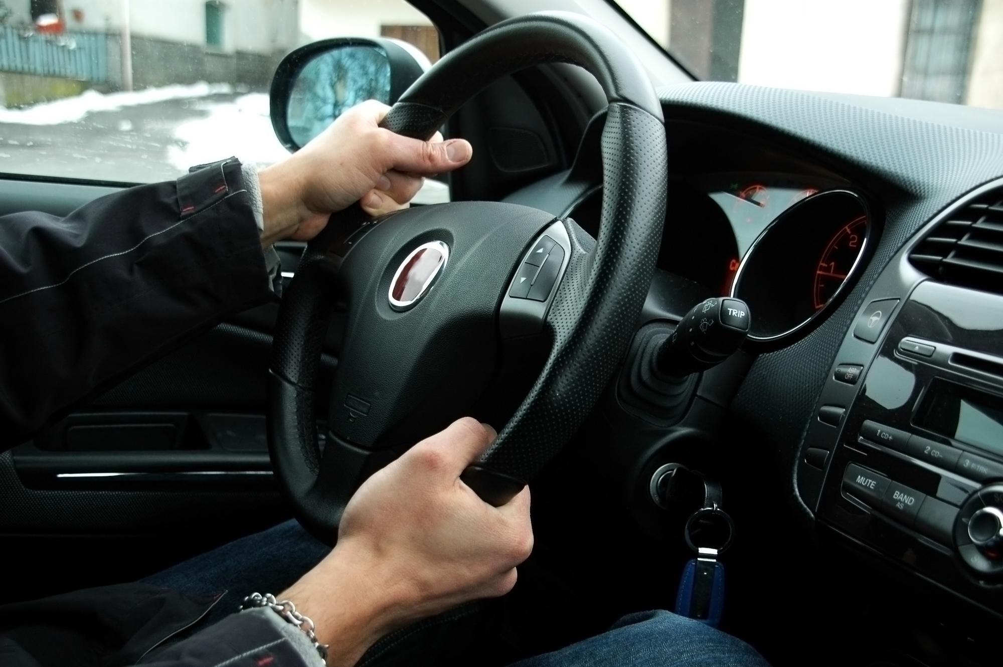 Conheça os diferentes tipos de direção automotiva